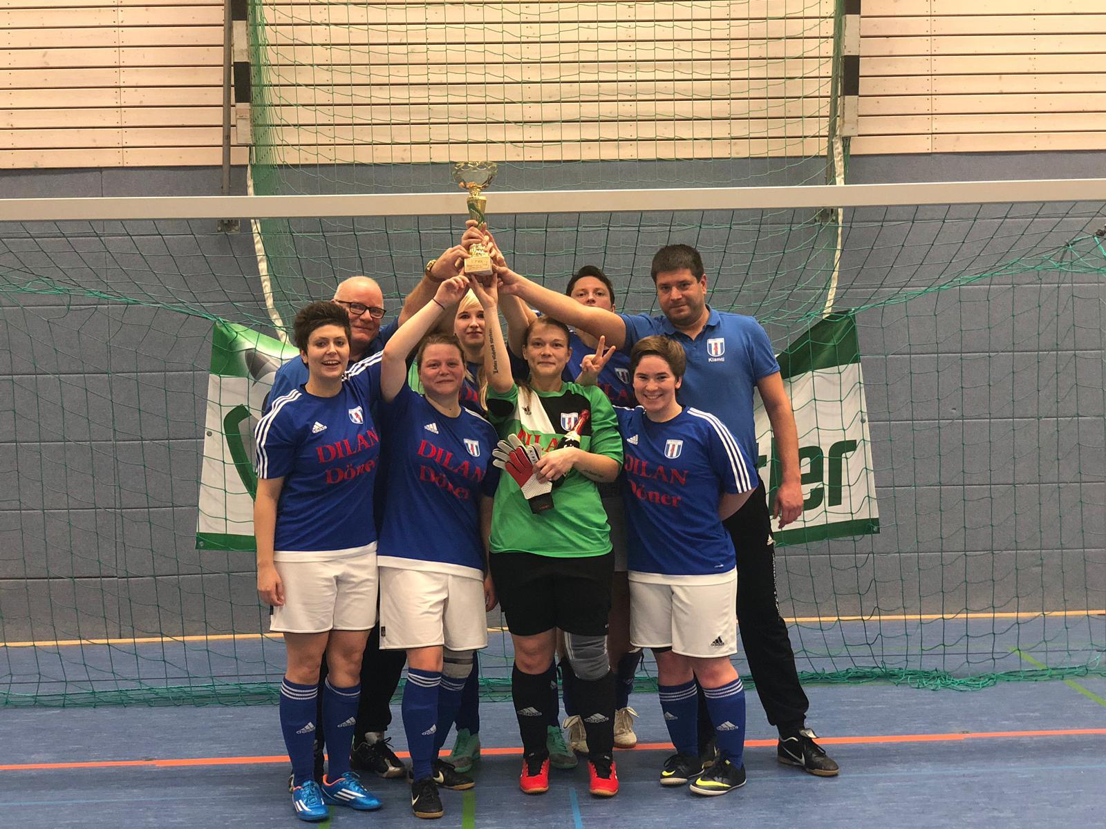 Frauen gewinnen GWA Hallen Cup